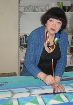 Нина Мурзина - художник-постановщик, сценограф