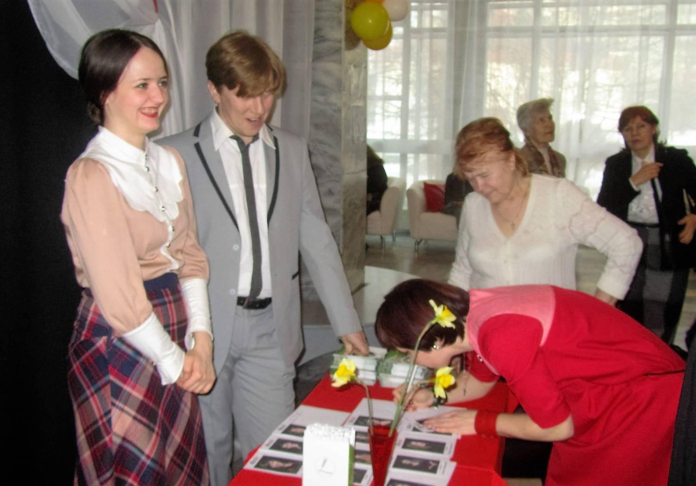 8 марта в тольяттинском театре Дилижанс